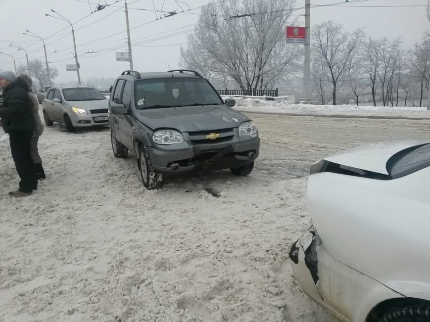 Тройное ДТП в Мариуполе: на скользкой дороге столкнулись два «Шевроле» и «Ниссан» (ФОТО), фото-4