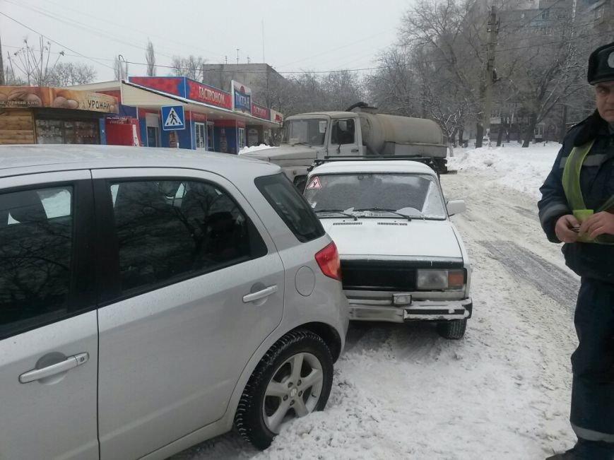В Мариуполе «ВАЗ» протаранил «Сузуки» (ФОТО), фото-2