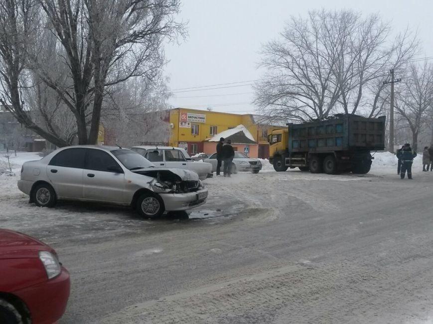 В Мариуполе «Дэу» врезался в грузовик. Пострадала женщина (ФОТО), фото-4