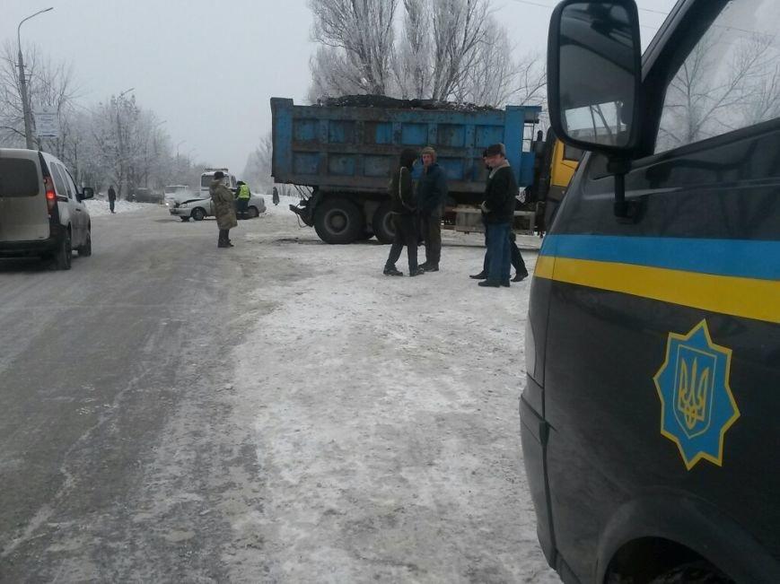 В Мариуполе «Дэу» врезался в грузовик. Пострадала женщина (ФОТО), фото-1