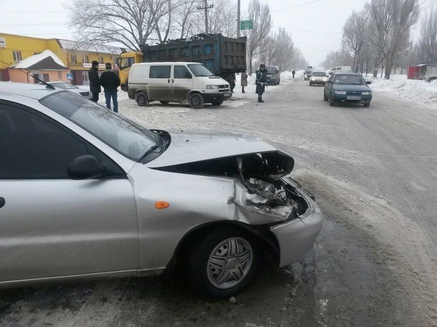 В Мариуполе «Дэу» врезался в грузовик. Пострадала женщина (ФОТО), фото-3