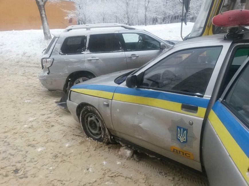 В Мариуполе маршрутка протаранила автомобиль с донецкими ГАИшниками (ФОТО), фото-3