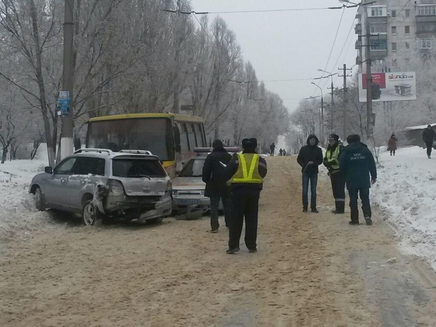 В Мариуполе маршрутка протаранила автомобиль с донецкими ГАИшниками (ФОТО), фото-9