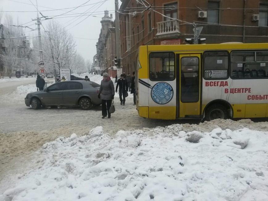 В Мариуполе маршрутка столкнулась с «Опелем» (ФОТО), фото-3
