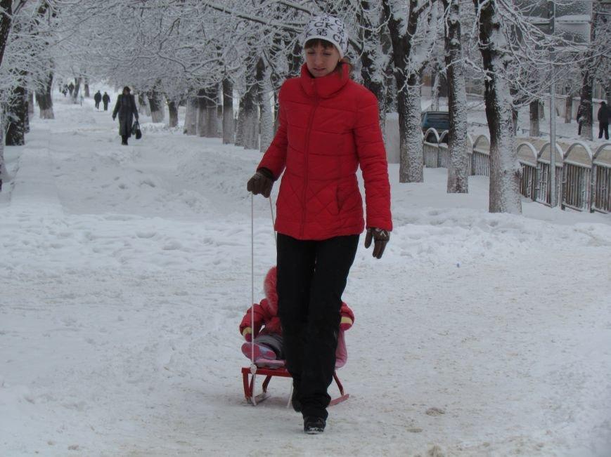 Мариупольцы наслаждаются последними днями зимней сказки (ФОТО), фото-9