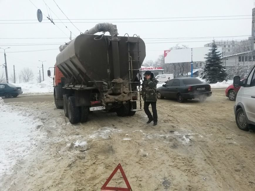 В Мариуполе грузовик потерял колеса (Фотофакт), фото-3