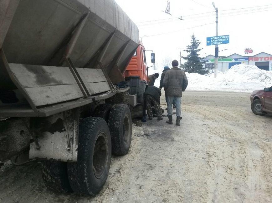 В Мариуполе грузовик потерял колеса (Фотофакт), фото-2
