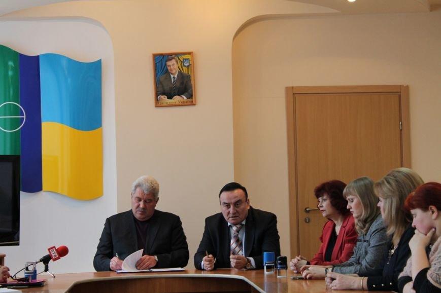 ФОТОФАКТ: в Артемовске подписали соглашение на оказание вторичной медицинской помощи для жителей района, фото-1