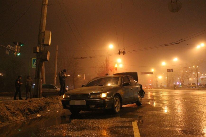 В Кривом Роге в результате  ДТП серьёзно травмирован молодой водитель (ДОПОЛНЕНО ФОТО), фото-1