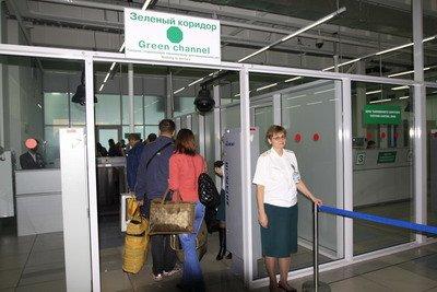 Таможенный контроль в Домодедово теперь можно пройти в два раза быстрее, фото-1