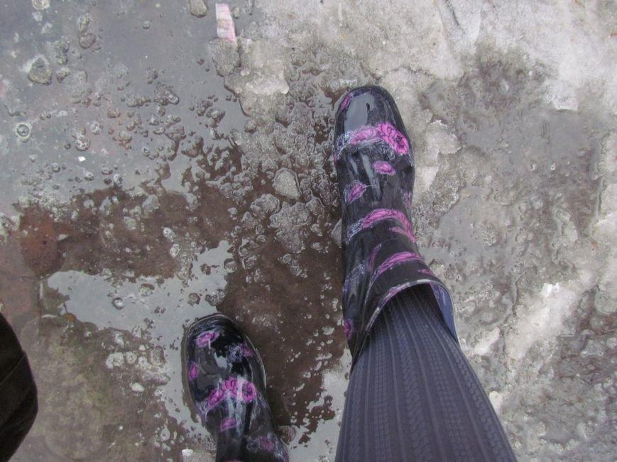 Мариуполь растаял: горожане обулись в резину (ФОТОРЕПОРТАЖ), фото-7
