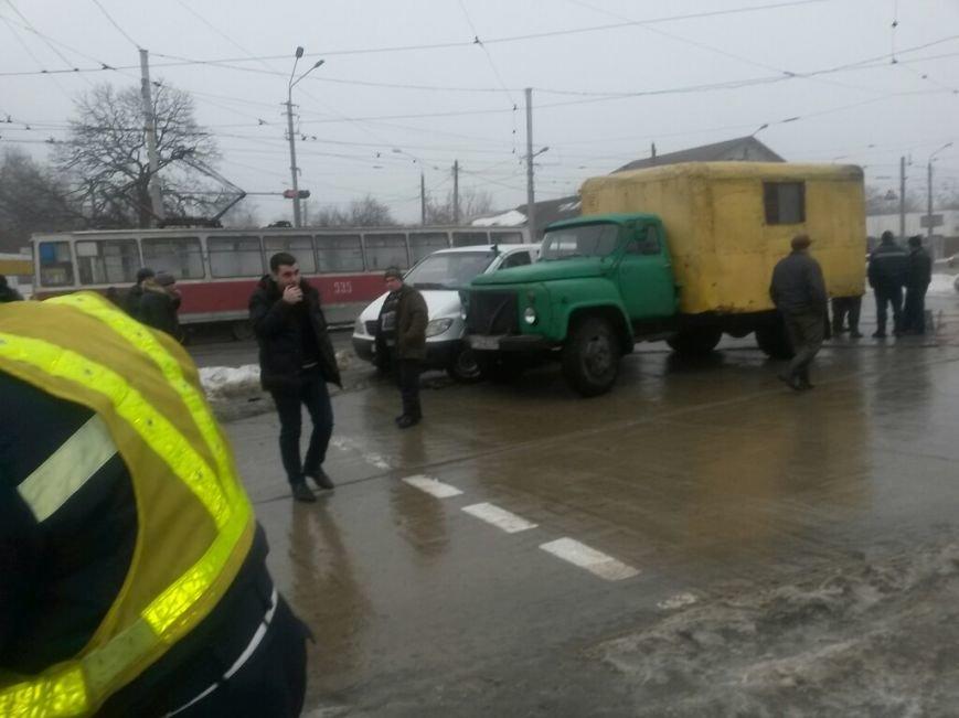 В Мариуполе автомобиль «Горводоканала» столкнулся с «Мерседесом» (ФОТО), фото-5
