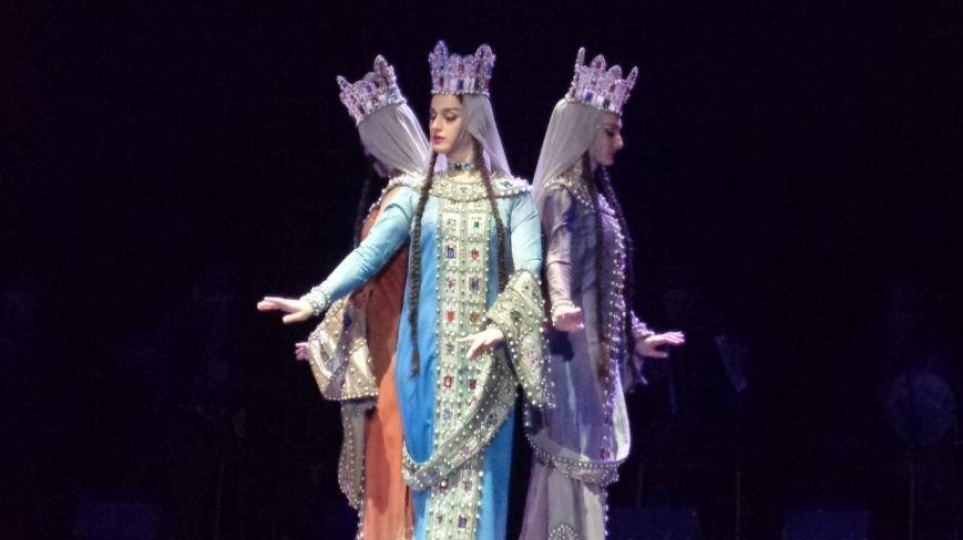 Грузинский балет «Сухишвили» подарил мариупольцам зажигательный украинский танец (ФОТО), фото-1
