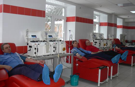 Работники ГАИ Сумщины сдали кровь пострадавшим в ДТП на железнодорожном переезде (ФОТО), фото-1