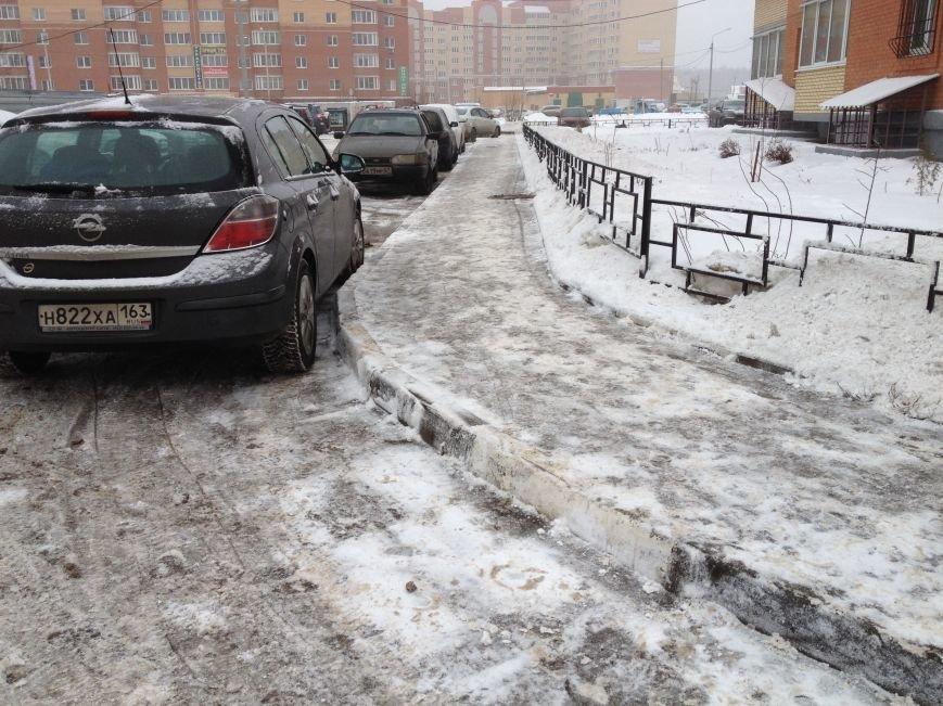 Идёт уборка улиц и дорог Домодедово после мощного снегопада, фото-4