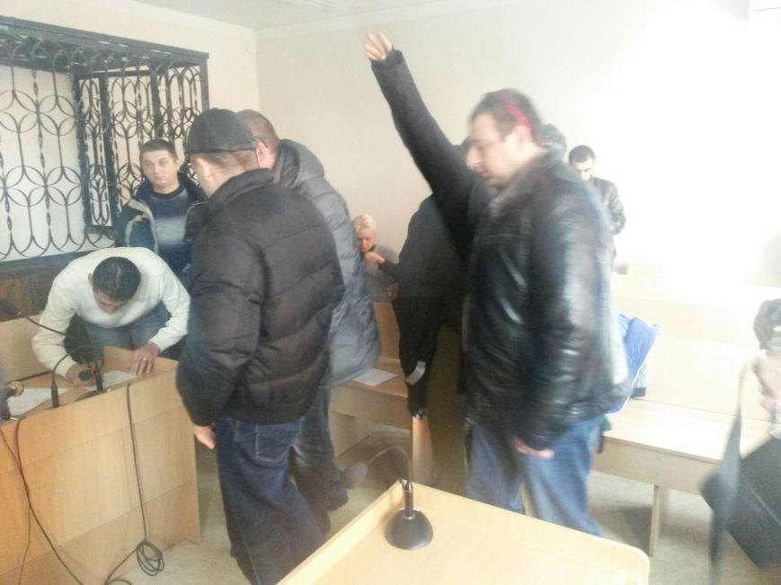 Сегодня активисты «ДК»  предстали перед судом за мелкое хулиганство и неповиновение (ФОТО, Видео), фото-5