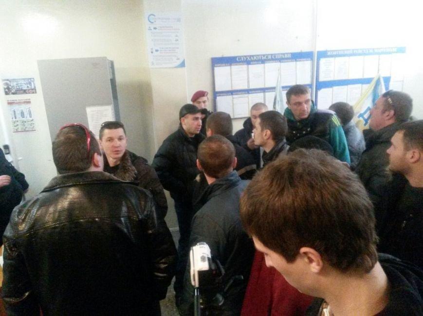 Сегодня активисты «ДК»  предстали перед судом за мелкое хулиганство и неповиновение (ФОТО, Видео), фото-2
