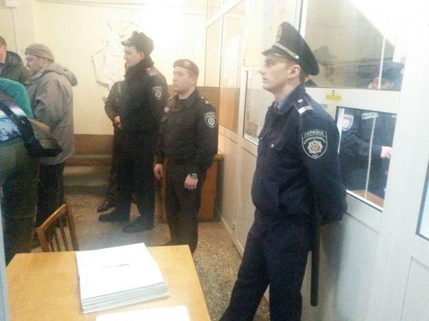 Сегодня активисты «ДК»  предстали перед судом за мелкое хулиганство и неповиновение (ФОТО, Видео), фото-4