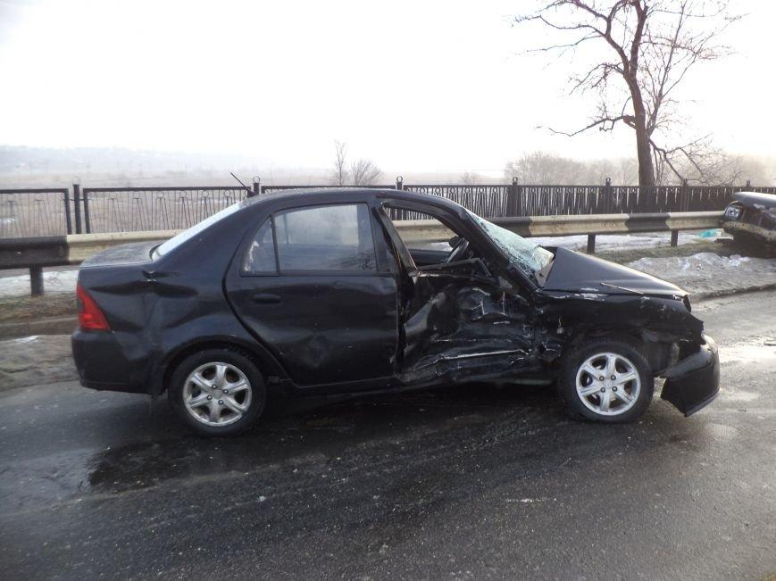В Мариуполе  на пост-мосту  столкнулись ГАЗ и «Geely» (ФОТО), фото-2