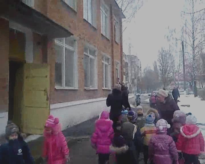 Сумська область: 149 дітей евакуйовані з задимленої будівлі дитсадка (ФОТО + ВИДЕО), фото-4