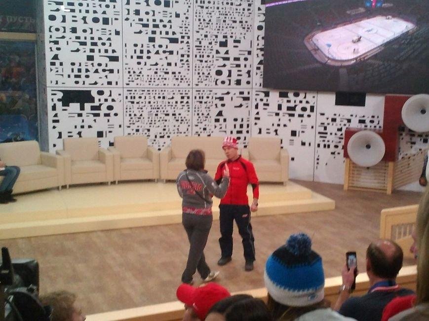 Таганрожцы приняли участие в программе «Пусть говорят» в поддержку нашей хоккейной команды, фото-4