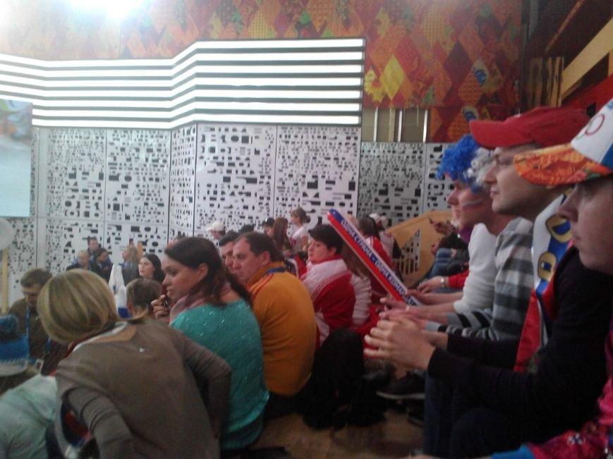 Таганрожцы приняли участие в программе «Пусть говорят» в поддержку нашей хоккейной команды, фото-3