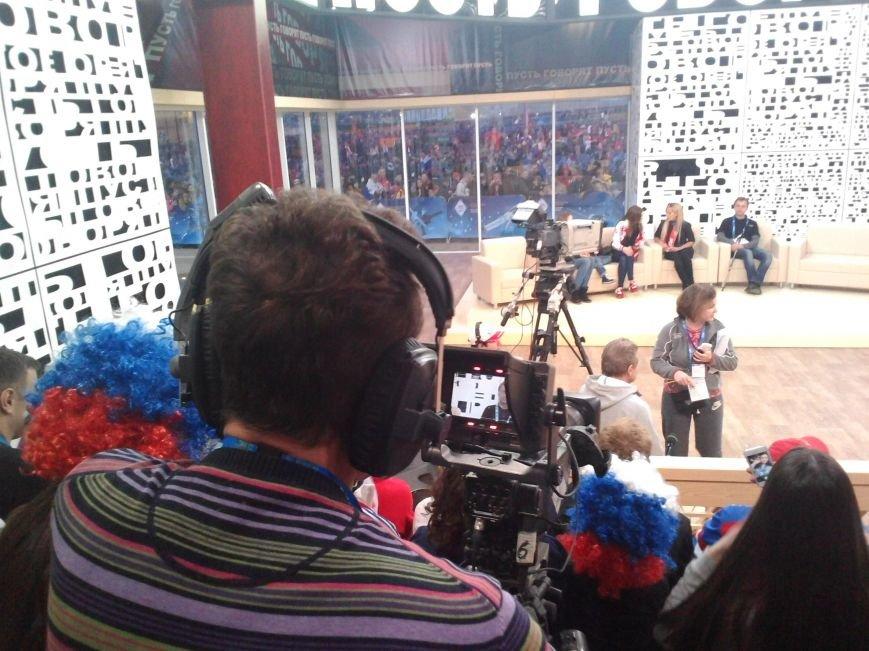 Таганрожцы приняли участие в программе «Пусть говорят» в поддержку нашей хоккейной команды, фото-5