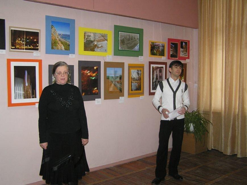 В Артемовском музее открылось две новых выставки, фото-1