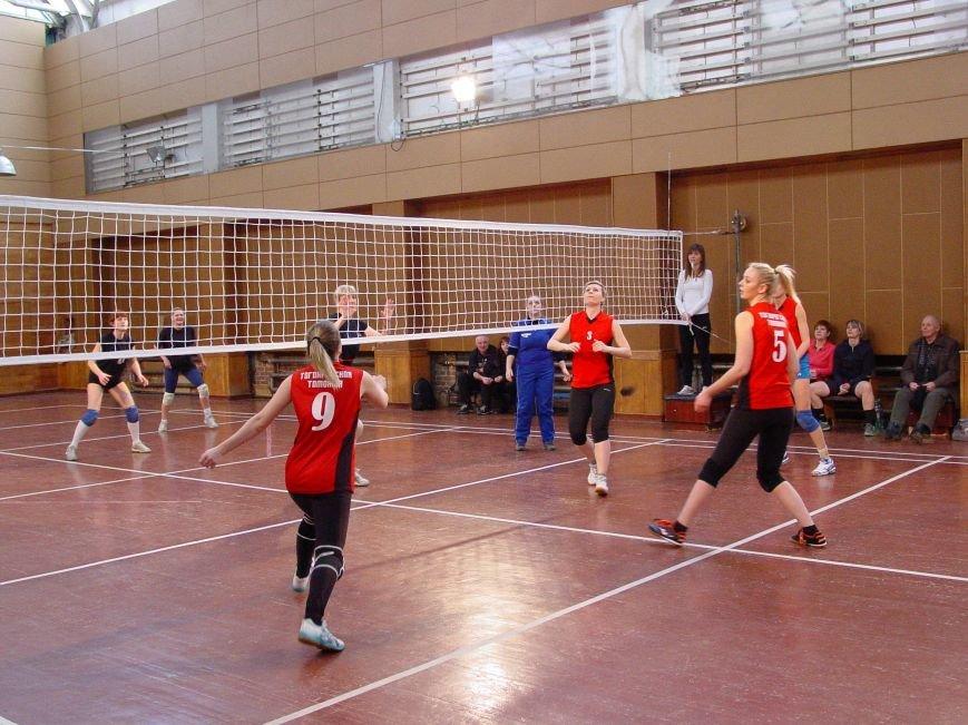 Волейбольные соревнования, Администрация-Таможня, счет 2:0, фото-2