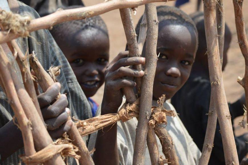 Мариупольцы в Африке спасли детей от смертельно опасного клеща (ФОТО), фото-10