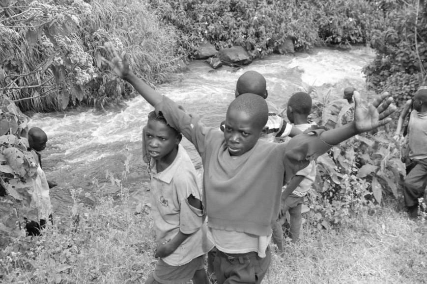 Мариупольцы в Африке спасли детей от смертельно опасного клеща (ФОТО), фото-26