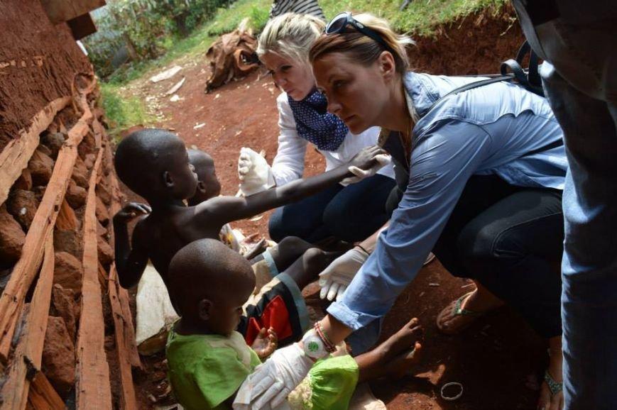 Мариупольцы в Африке спасли детей от смертельно опасного клеща (ФОТО), фото-6