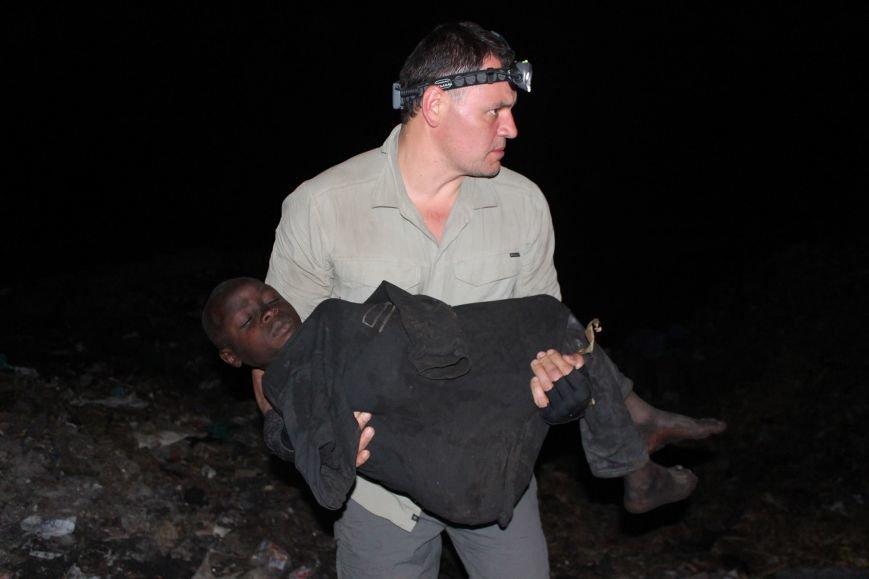 Мариупольцы в Африке спасли детей от смертельно опасного клеща (ФОТО), фото-13