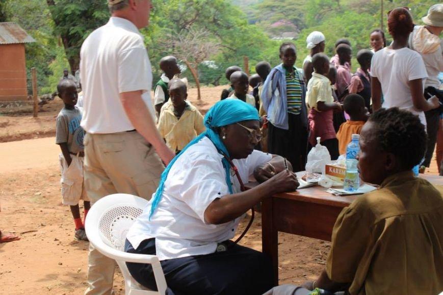 Мариупольцы в Африке спасли детей от смертельно опасного клеща (ФОТО), фото-23