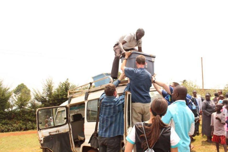Мариупольцы в Африке спасли детей от смертельно опасного клеща (ФОТО), фото-19