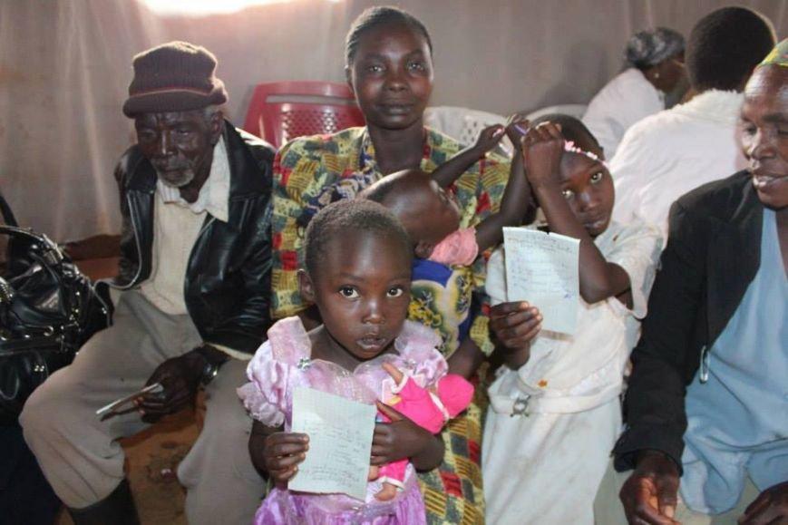 Мариупольцы в Африке спасли детей от смертельно опасного клеща (ФОТО), фото-20