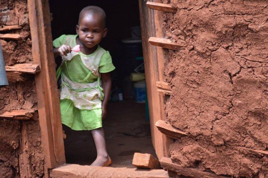 Мариупольцы в Африке спасли детей от смертельно опасного клеща (ФОТО), фото-2