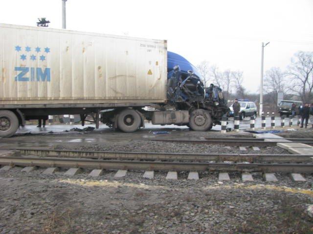 ДТП на переезде в Кременчугском районе заблокировало движение поездов на 2 часа (ФОТО), фото-5