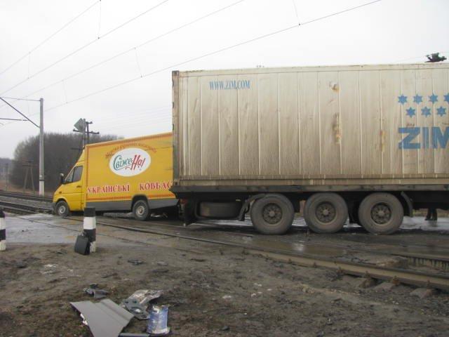 ДТП на переезде в Кременчугском районе заблокировало движение поездов на 2 часа (ФОТО), фото-4