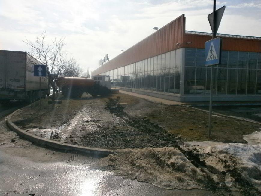 Война гипермаркетов! В Мариуполе «Амстор» забаррикадировал «ОBI» (ФОТО), фото-5