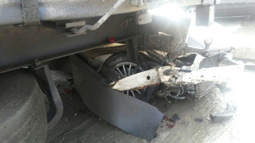 В Мариуполе безумный «Опель» врезался в припаркованный автомобиль (ФОТО), фото-5
