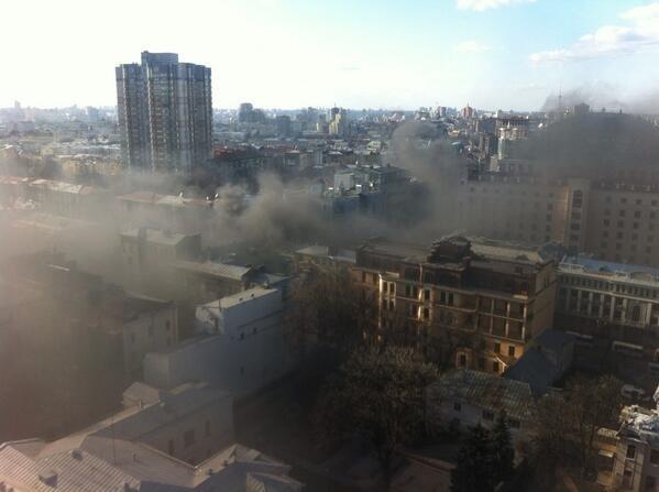 Штурм Майдана продолжается.Есть погибшие (Обновляется. ВИДЕО.ФОТО), фото-17