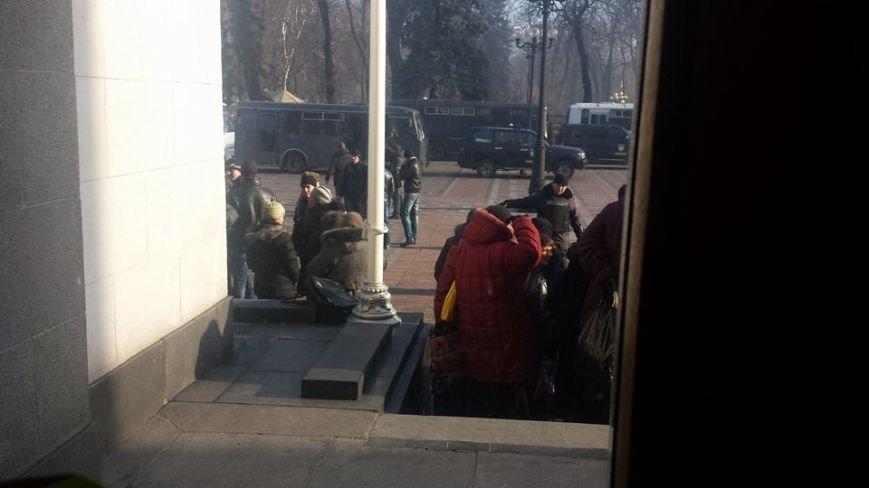Штурм Майдана продолжается.Есть погибшие (Обновляется. ВИДЕО.ФОТО), фото-16