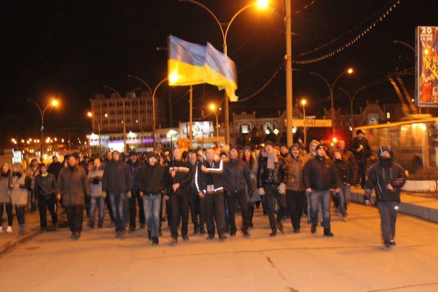 Из-за кровопролития в Киеве в Сумах полтысячи человек устроили марш по улицам города (ФОТО+ВИДЕО), фото-5
