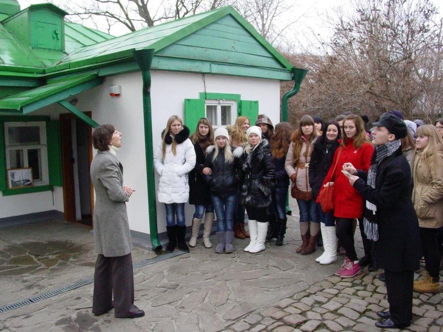 Встреча у чеховского домика в Таганроге -отметили День рождения писателя и юбилей установки памятной доски, фото-1