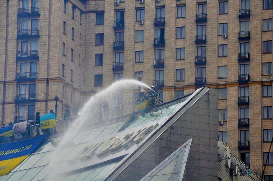 После штурма...Эксклюзивный фоторепортаж из Киева, фото-6