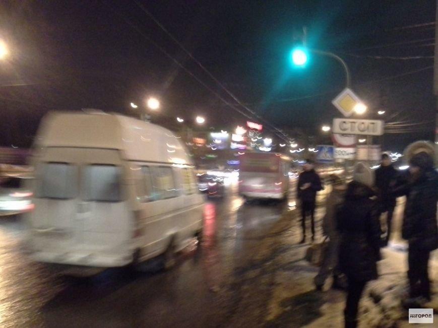 В Чебоксарах из-за подозрительного предмета перекрыли Эгерский бульвар (ФОТО), фото-2