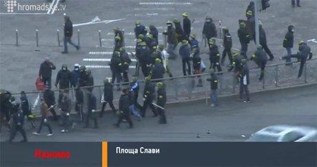 Верховная Рада сегодня не заработает: из здания срочно эвакуируют работников, «Беркут» и титушек (ФОТО), фото-4