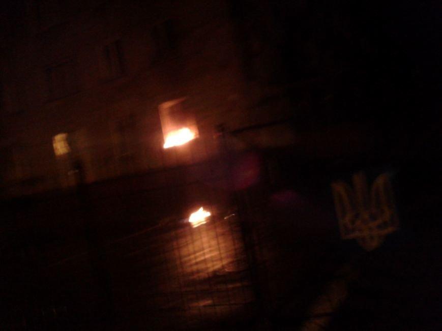 На Первомайской летят коктейли Молотова: в здании горит окно (ФОТО) (ОБНОВЛЯЕТСЯ), фото-2