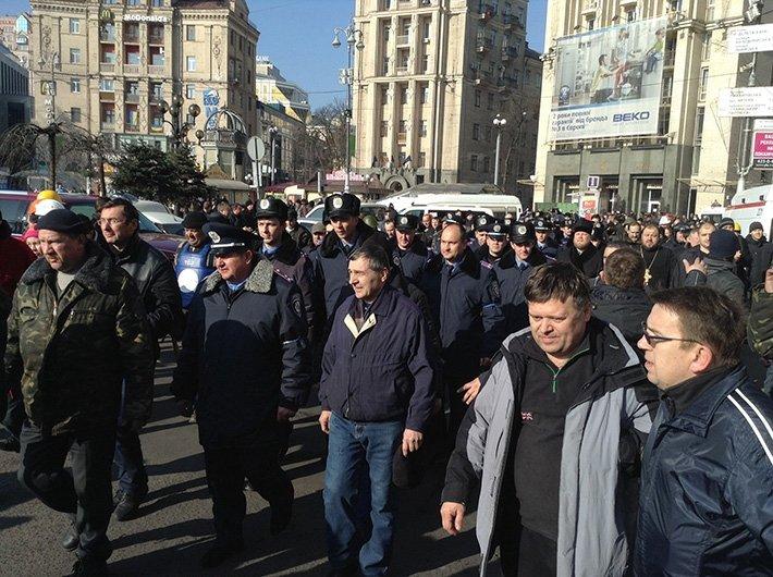 Озброєні колеги тернопільських міліціонерів приїхали захищати Євромайдан (фото), фото-1